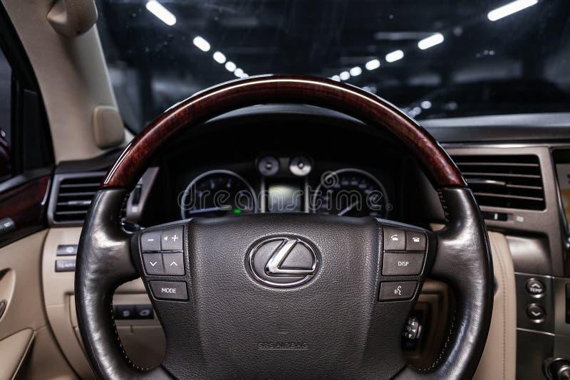 Novosibirsk Ryssland Juni 11, 2019: Lexus LX570 royaltyfri bild