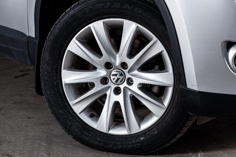 Novosibirsk Ryssland Juni 11, 2019: Volkswagen Tiguan arkivfoto