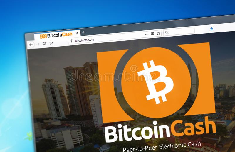 Novosibirsk Ryssland - Maj 8, 2018 - Homepage av Bitcoin den kontanta cryptocurrencyen BCH - bitcoincash org på en skärm av PC:N arkivbilder