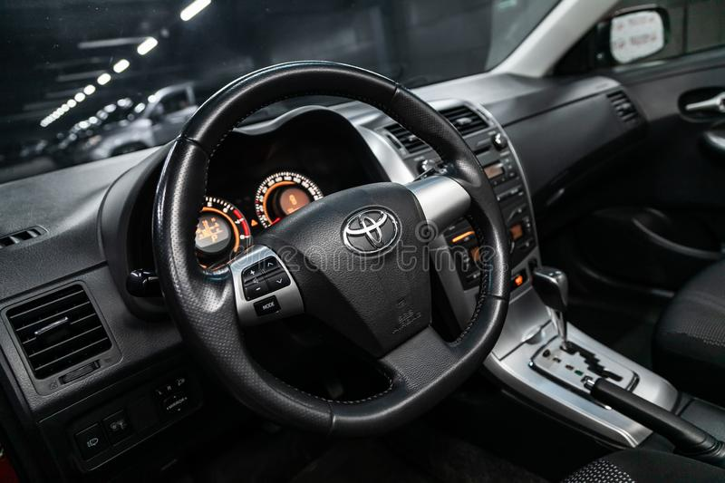 Novosibirsk Ryssland - Maj 31, 2019: Toyota Corolla royaltyfri fotografi