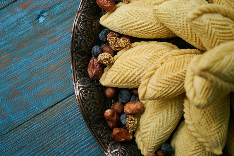 Novruz的传统阿塞拜疆酥皮点心shekerbura 免版税图库摄影