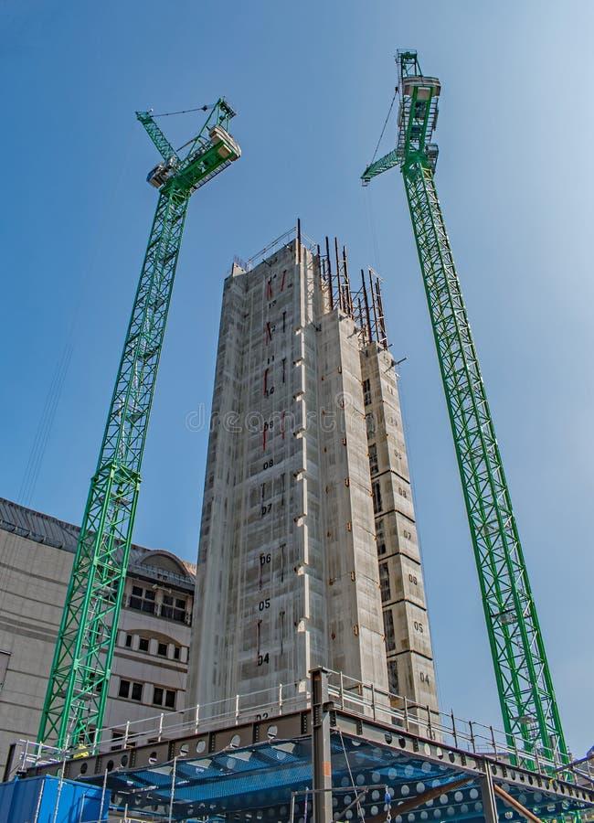 Nowa biura wierza budowa w Londyńskim miasto finanse okręgu obrazy stock