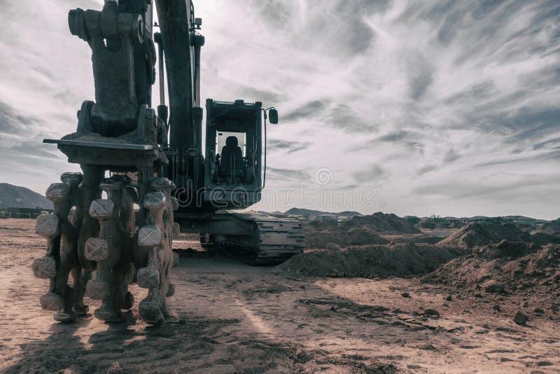 Nowa budowa byka dozer wyposażenie łama ziemię zdjęcie stock