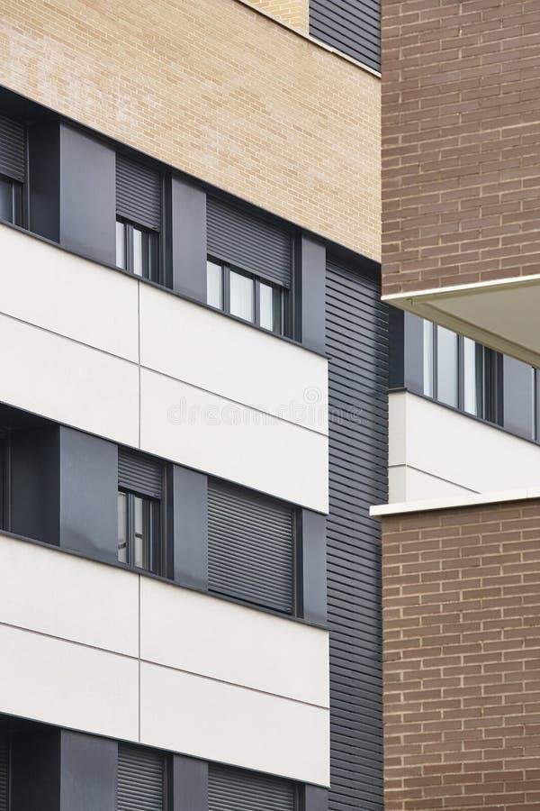 Nowa ceglany dom powierzchowności fasada Przemysł Budowlany zakup obraz stock
