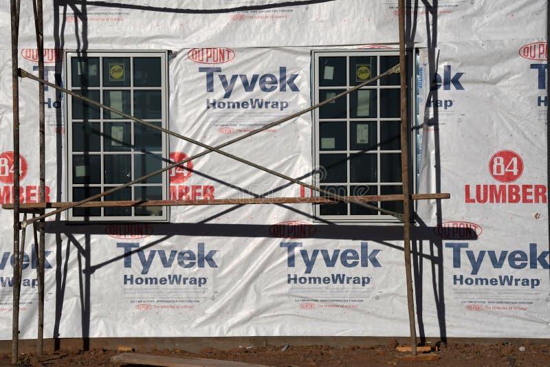 Nowa Domowa budowy otoczka W południowych zachodach obrazy royalty free