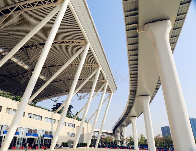 Nowa Guangzhou południowa stacja kolejowa w kantonie Chiny, nowożytny budynek dworzec, sztachetowy terminal zdjęcia royalty free