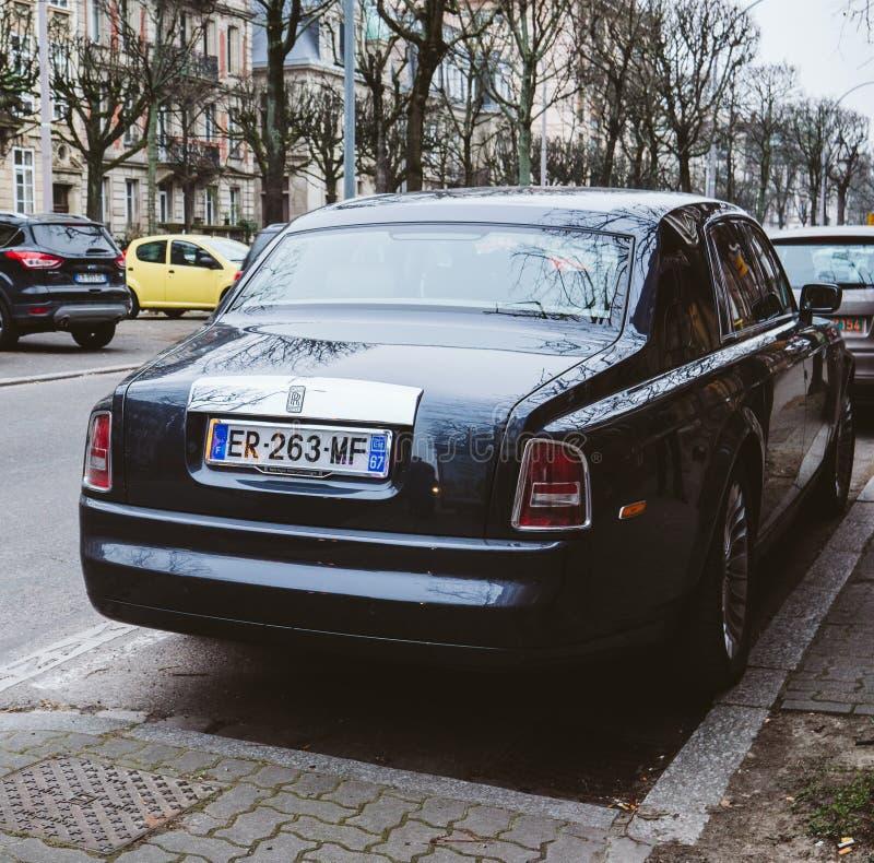 Nowa Luksusowa Rolls-Royce Phantom limuzyna na ulicach frank obraz stock