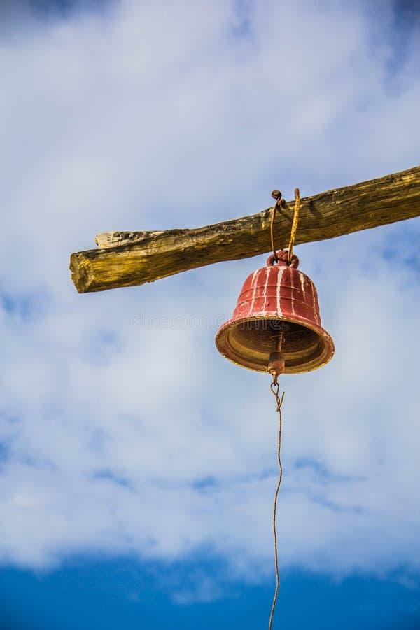 Nowa perspektywa od antycznego dzwonu obrazy royalty free