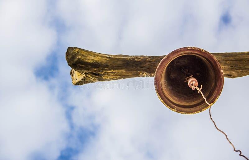 Nowa perspektywa od antycznego dzwonu zdjęcia stock