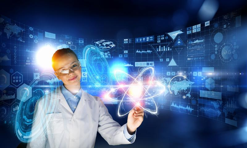 Nowatorskie technologie w nauce i medycynie Mieszani środki zdjęcie stock
