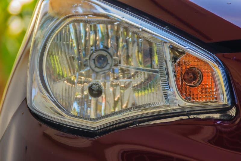 Nowego projekta tylni światło czerwony baru samochód Zbliżenie Samochodowy tylni lig fotografia stock