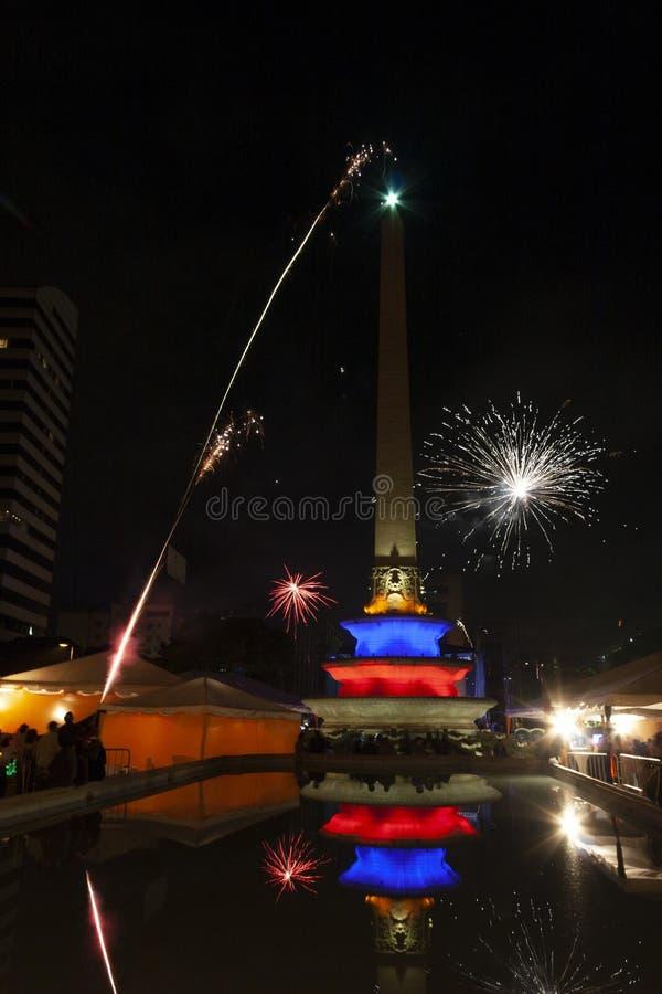 Nowego roku świętowanie z fajerwerkami w Altamira kwadracie Altamira placu lub, placów frans Caracas Wenezuela obrazy royalty free