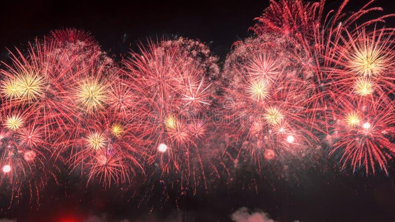 Nowego Roku czerwonego koloru fajerwerki obraz royalty free