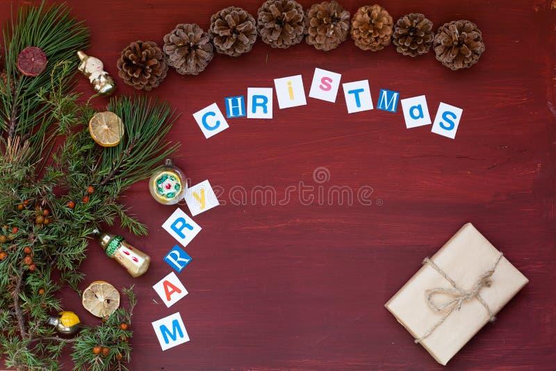 Nowego roku tła choinki Bożenarodzeniowych prezentów urlopowa zima zdjęcia stock
