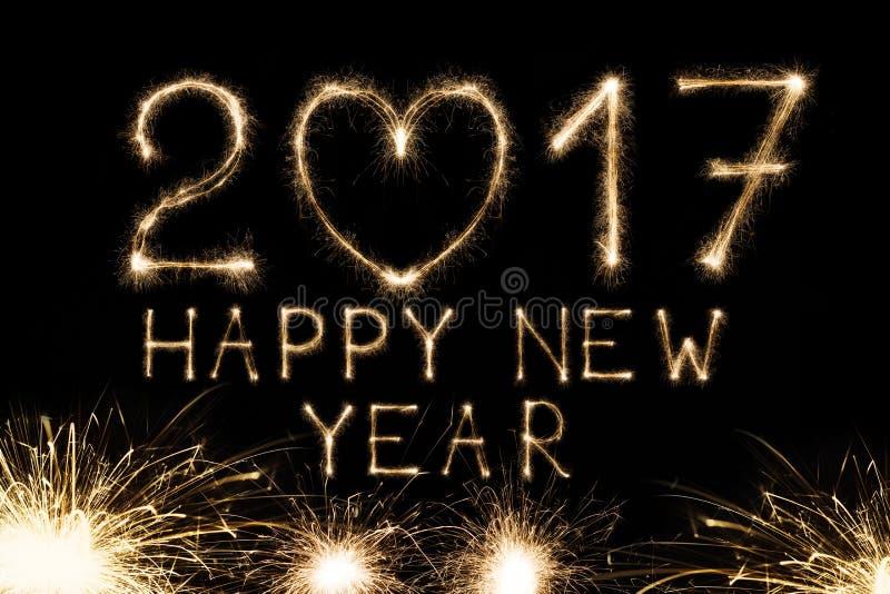 Nowego roku tekst, sparkler liczby na czarnym tle obraz stock