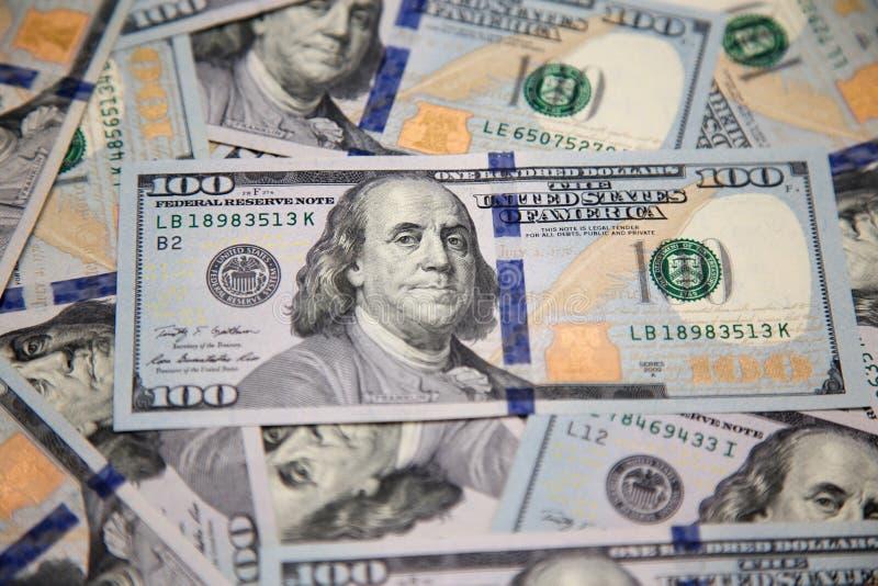 Nowi sto dolarowych rachunków z portretem Franklin fotografia royalty free