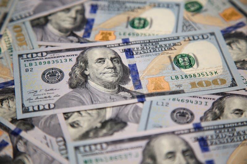 Nowi sto dolarowych rachunków z portretem Franklin obrazy royalty free