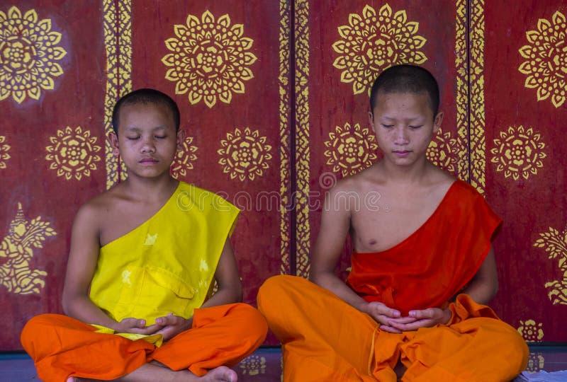 Nowicjuszów michaelita w Luang Prabang Laos obrazy stock