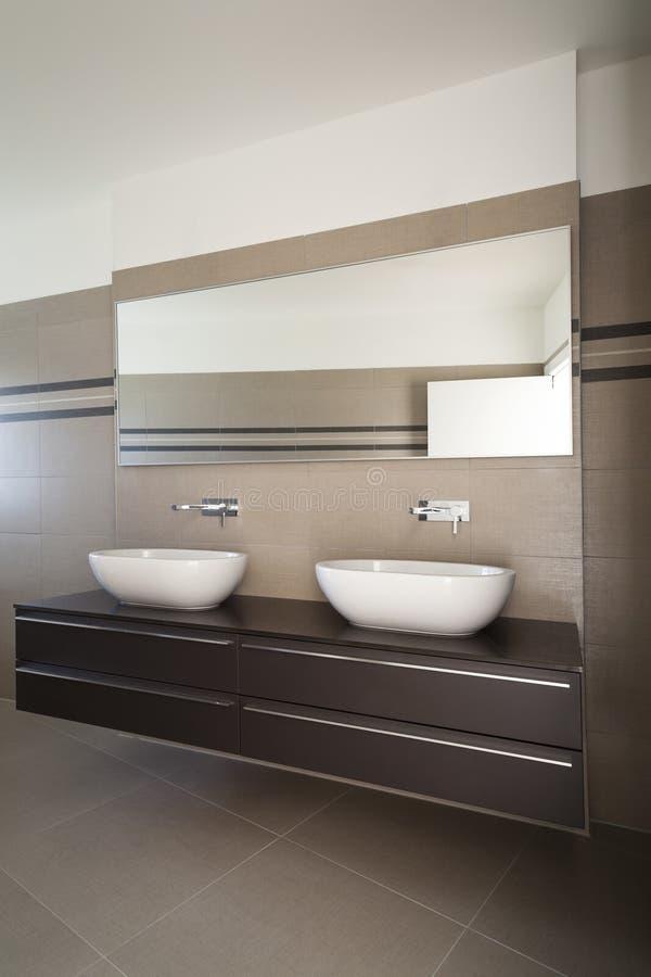 Download Nowożytna łazienka zdjęcie stock. Obraz złożonej z nowożytny - 28974540