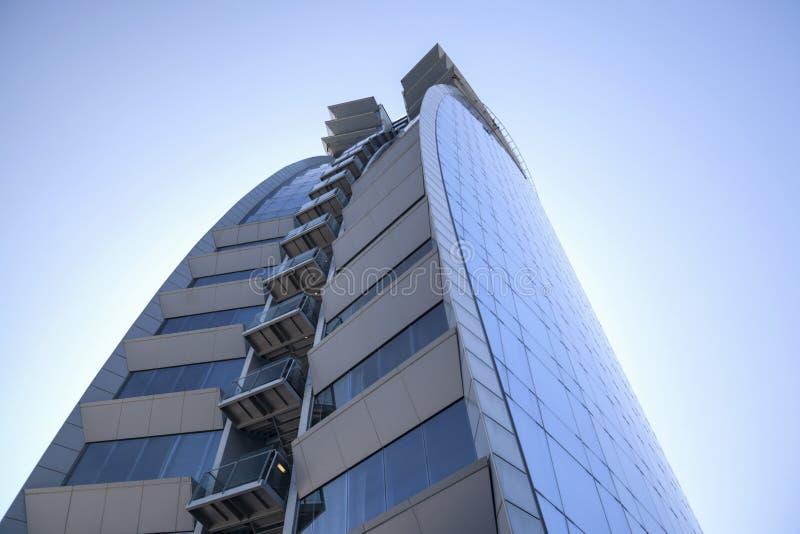 Nowożytna architektura, hotel W lub Hotelowi Vela architektem Ricard Bofill w Barceloneta ćwiartce, ikonowy budynek w linii horyz obrazy stock