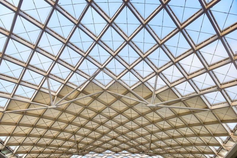 Nowożytna architektury dachowej struktury budowa zdjęcia stock