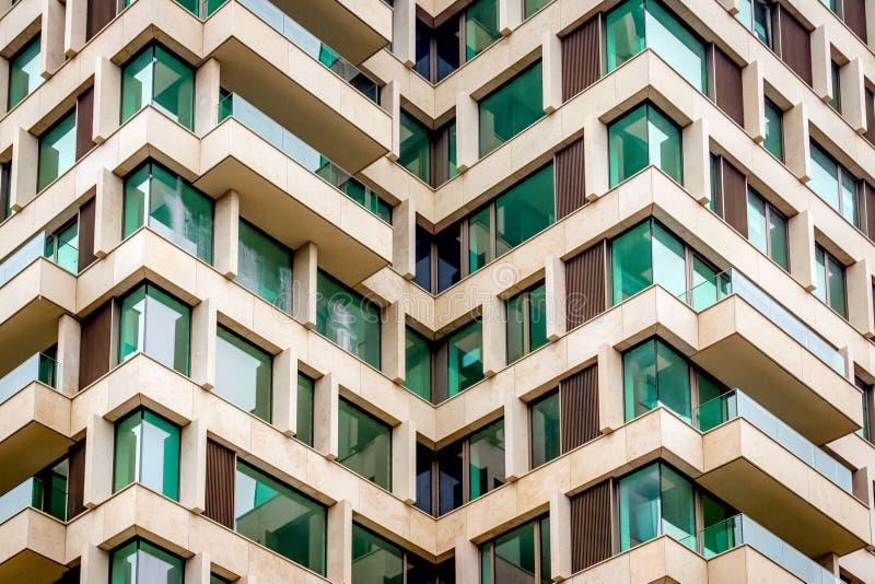Nowożytna biznesowa budynek biurowy powierzchowność korporacyjne kwatery główne zdjęcie stock