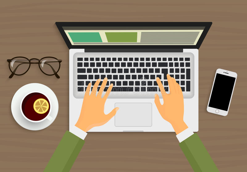 Nowożytna osoba wręcza działanie na laptopu obsiadaniu w kawiarni Odgórnego widoku miejsce pracy ilustracji