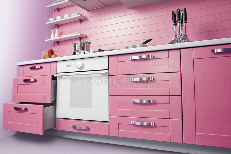 Nowożytna różowa kuchnia obraz stock