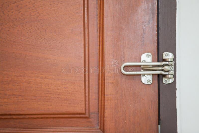 Nowożytna stylowa drzwiowa rękojeść fotografia stock