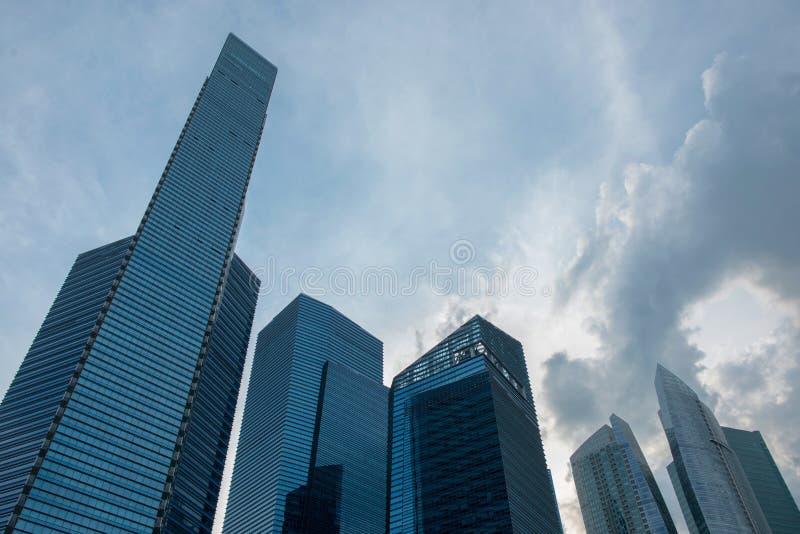 Nowożytnego drapacz chmur niskiego kąta widoku pejzażu miejskiego miastowy krajobraz obraz stock