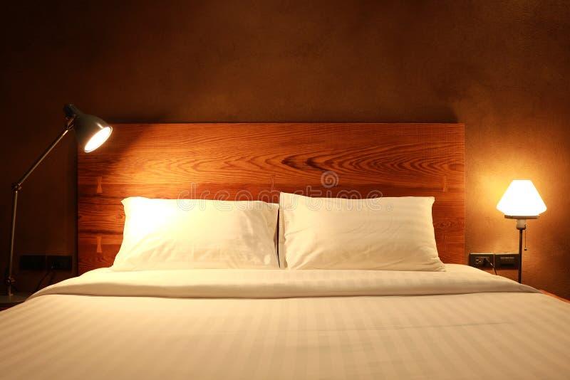 Nowożytnego projekta sypialni wnętrze obrazy stock