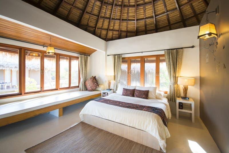Nowożytnej sypialni wewnętrzny projekt dla stylu życia fotografia royalty free