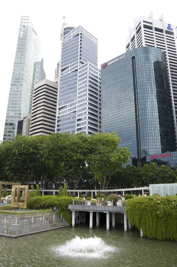 Nowożytni budynki biurowi w Singapur obraz royalty free