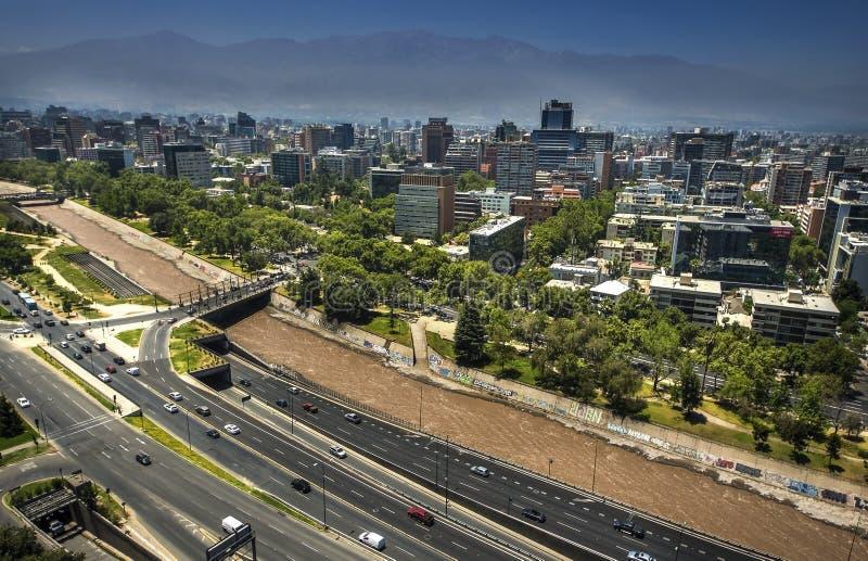 Nowożytni budynki mieszkaniowi i mieszkania w w centrum Santiago, Chile obraz stock