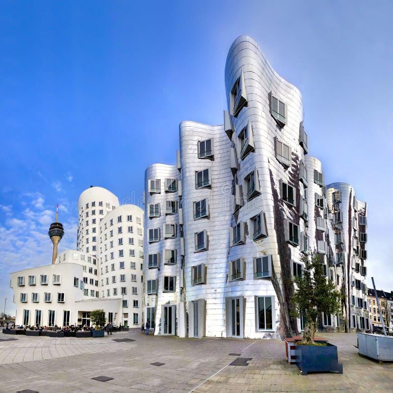Nowożytni futurystyczni przyglądający budynki w DÃ ¼ sseldorf, Niemcy fotografia royalty free