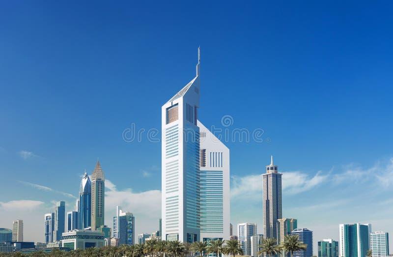 Nowożytni i luksusowi drapacze chmur w centrum Dubaj, Zjednoczone Emiraty Arabskie obraz royalty free