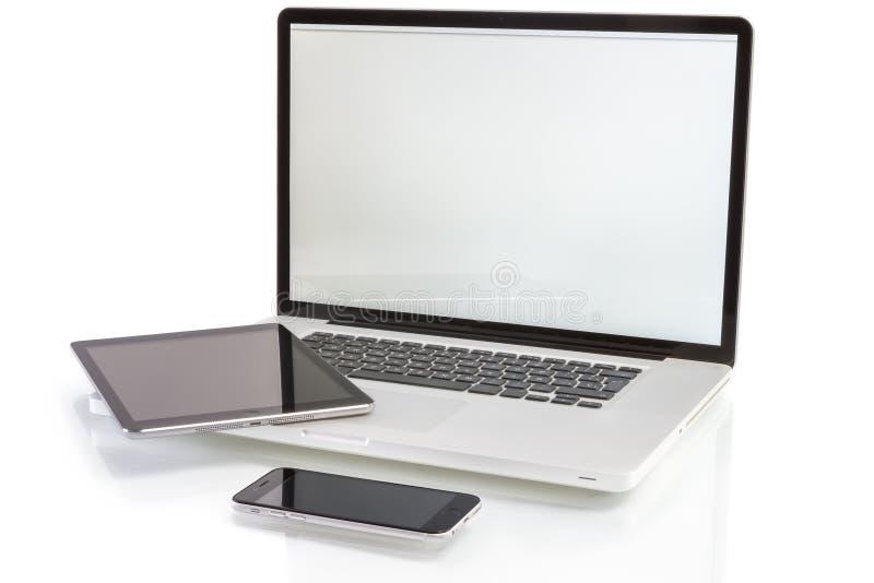 Nowożytni komputerowi przyrząda laptop, pastylka komputer osobisty i smartphone -, fotografia stock