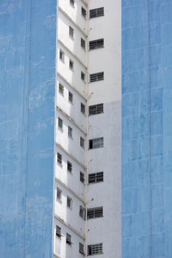 Nowożytni mieszkaniowi brudni budynki w Manaus, Brazylia obrazy royalty free