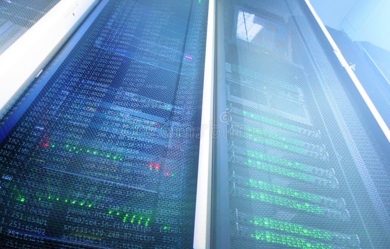 Nowożytni superkomputery w obliczeniowym dane centrum obrazy stock