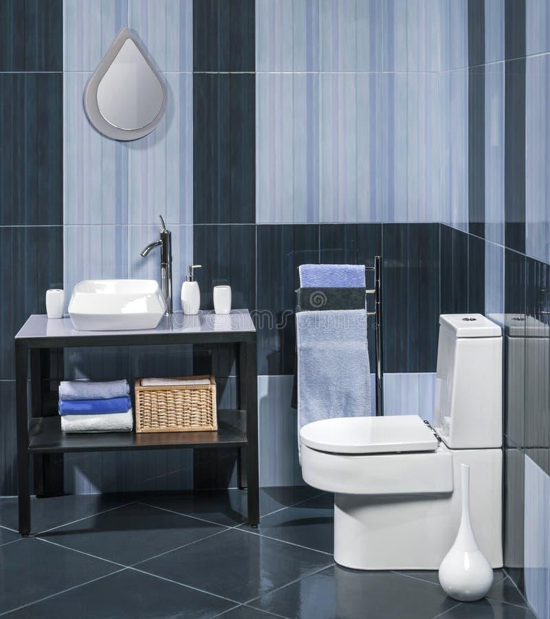 Download Nowożytny łazienka Szczegół Zdjęcie Stock - Obraz złożonej z hotel, faucet: 53787224