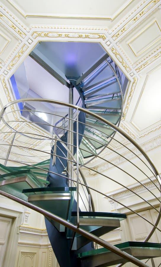 nowożytny ślimakowaty schody fotografia stock