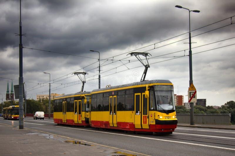 nowożytny życzliwy elektryczny transport publiczny w kapitale zdjęcie stock