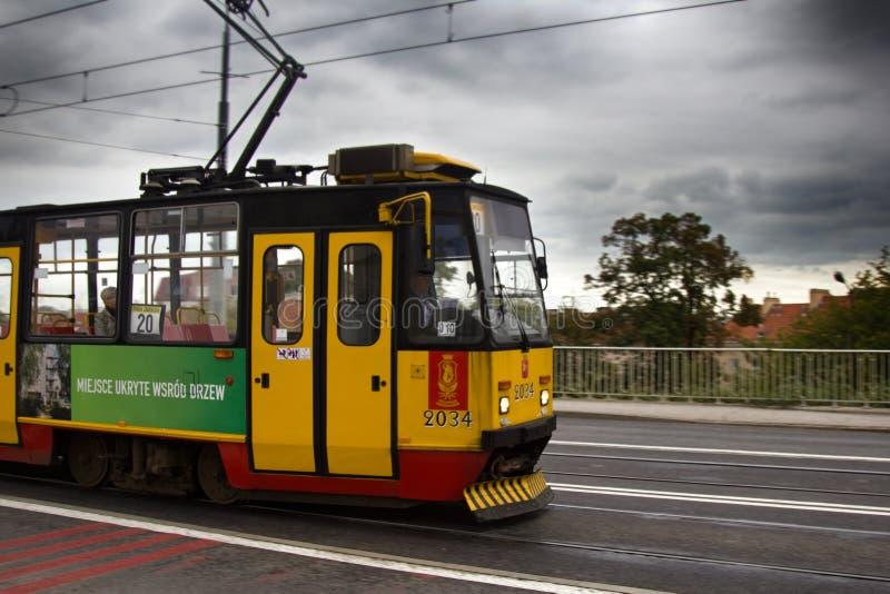 nowożytny życzliwy elektryczny transport publiczny w kapitale zdjęcia stock