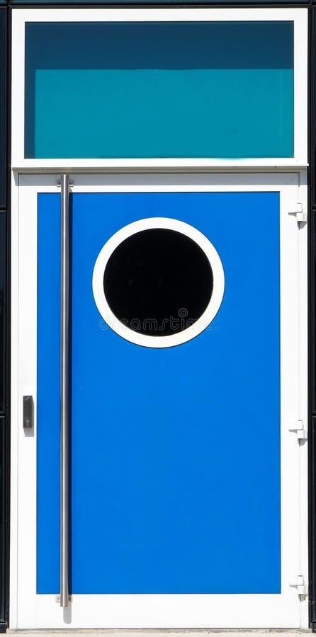 Nowożytny błękitny metalu drzwi z porthole okno obrazy royalty free