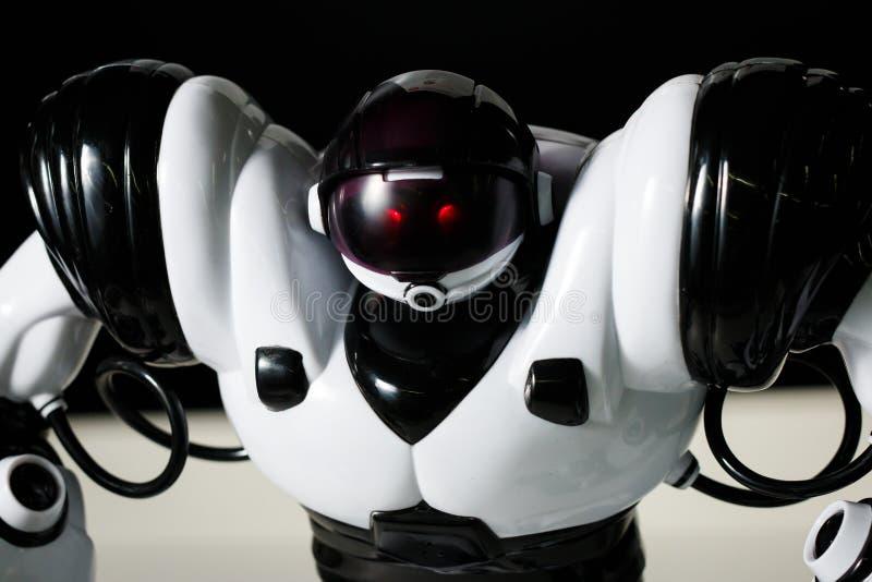 Nowożytny biały futurystyczny humanoid robota zakończenie up strzelał obrazy royalty free