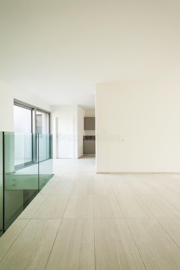 Download Nowożytny dom, wnętrze zdjęcie stock. Obraz złożonej z nikt - 28974506