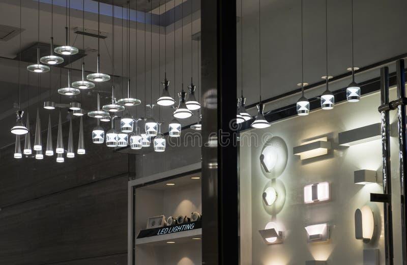 Nowożytny DOWODZONY krystaliczny świecznik Prowadził ścienną lampę, Handlowy oświetleniowy Domowego meblowania oświetlenie obraz stock