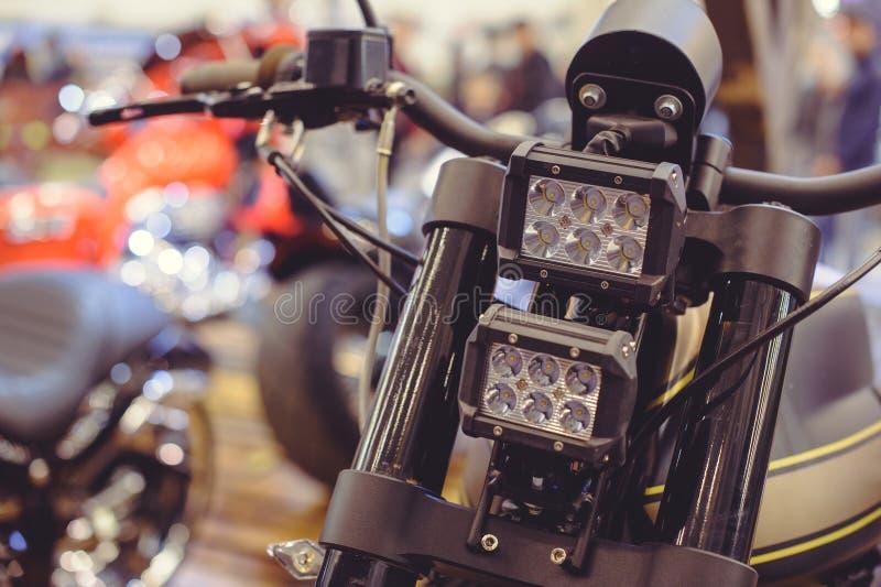 Nowożytny DOWODZONY motocyklu reflektor, zakończenie na przodzie zdjęcia stock
