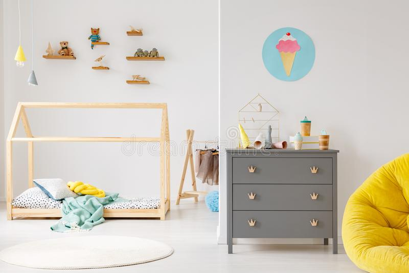 Nowożytny dziecka ` s pokoju wnętrze obrazy stock