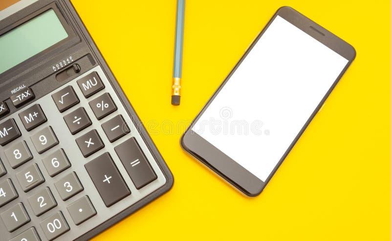 Nowo?ytny kalkulator i telefon z przestrzeni? dla teksta na ? fotografia stock